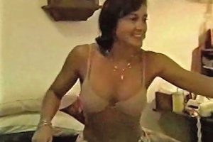 My Homemade Slutty MILF Gives Head