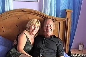 Amateur Mature Couple Fucking On The Bed Porn Eb Xhamster